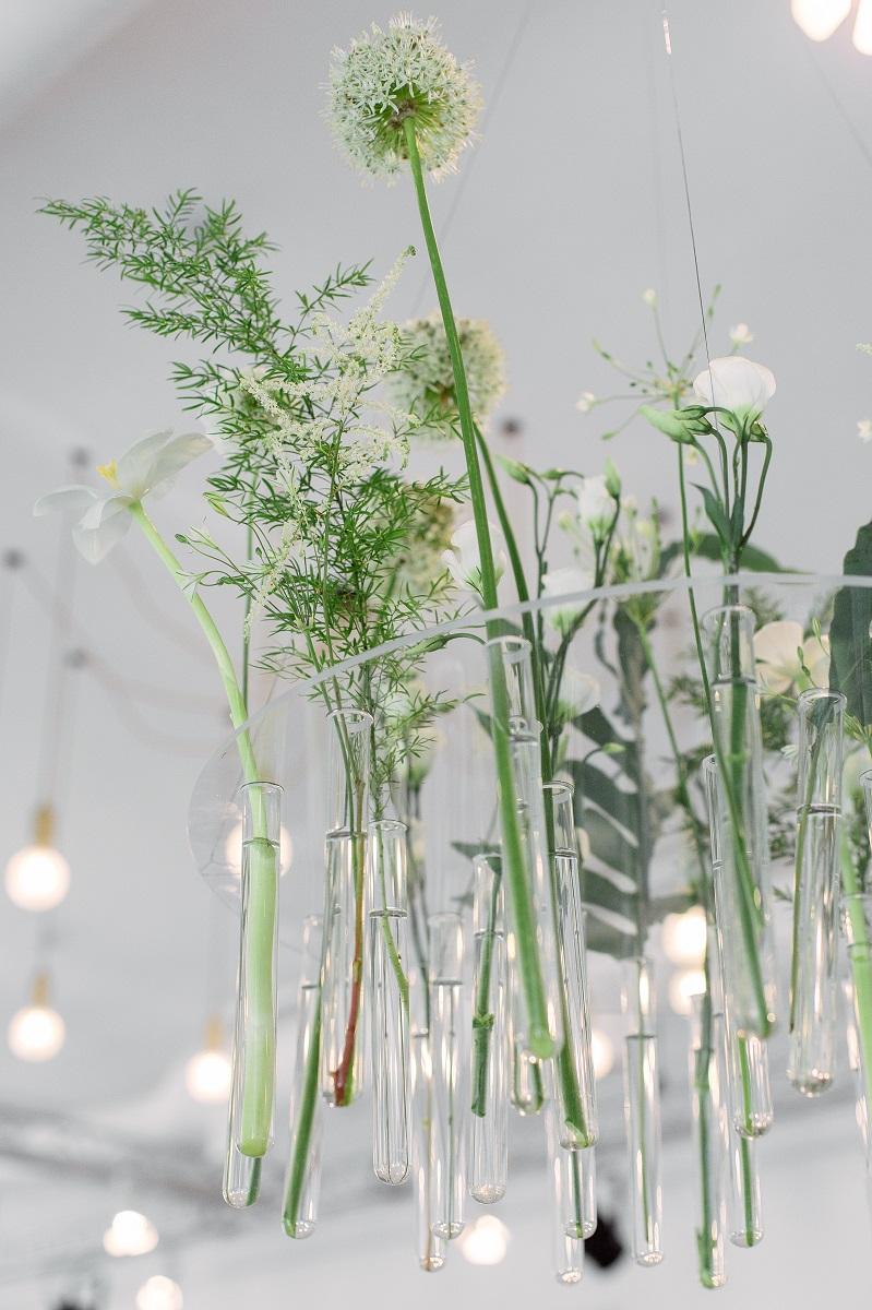 Подвесная флористическая композиция